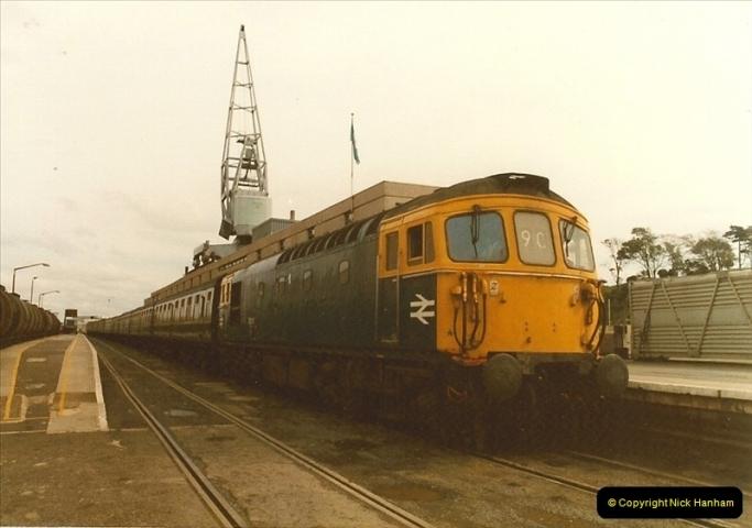 1983-09-22 The Channel Island Boat Train Weymouth Quay to Weymouth Station, Weymouth, Dorset.  (10)0555
