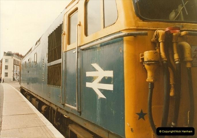 1983-09-22 The Channel Island Boat Train Weymouth Quay to Weymouth Station, Weymouth, Dorset.  (11)0556
