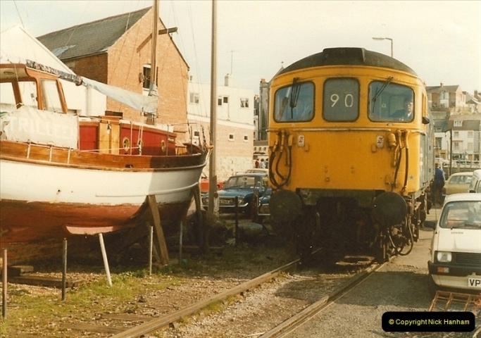 1983-09-22 The Channel Island Boat Train Weymouth Quay to Weymouth Station, Weymouth, Dorset.  (18)0563