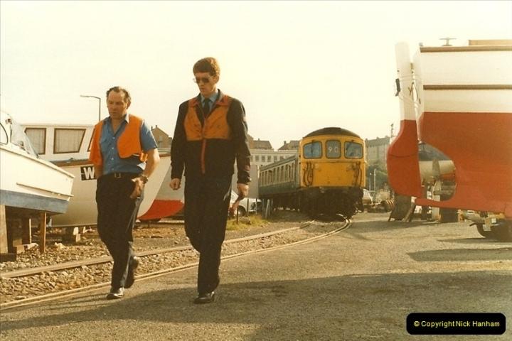 1983-09-22 The Channel Island Boat Train Weymouth Quay to Weymouth Station, Weymouth, Dorset.  (19)0564