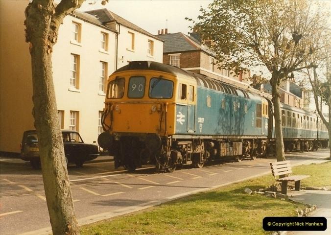 1983-09-22 The Channel Island Boat Train Weymouth Quay to Weymouth Station, Weymouth, Dorset.  (22)0567