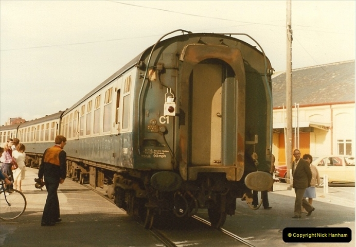1983-09-22 The Channel Island Boat Train Weymouth Quay to Weymouth Station, Weymouth, Dorset.  (24)0569