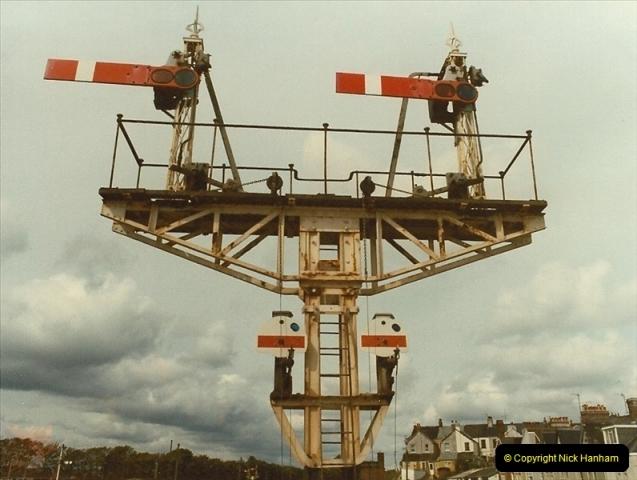 1983-09-22 The Channel Island Boat Train Weymouth Quay to Weymouth Station, Weymouth, Dorset.  (3)0548