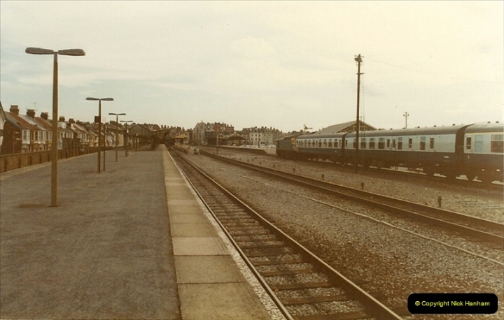 1983-09-22 The Channel Island Boat Train Weymouth Quay to Weymouth Station, Weymouth, Dorset.  (5)0550