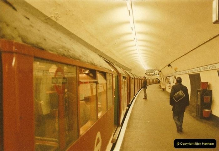 1984-03-17 Waterloo & City line & Waterloo station, London.  (3)0633
