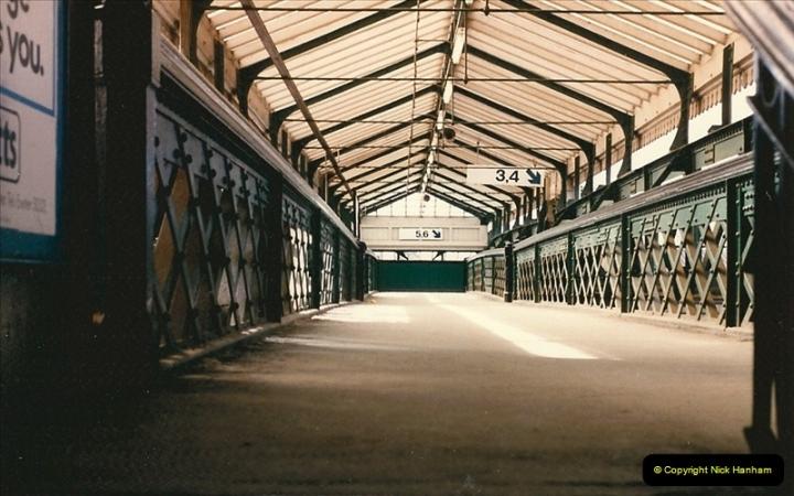 1986-03-22 Exeter St. Davids.  (2)0074