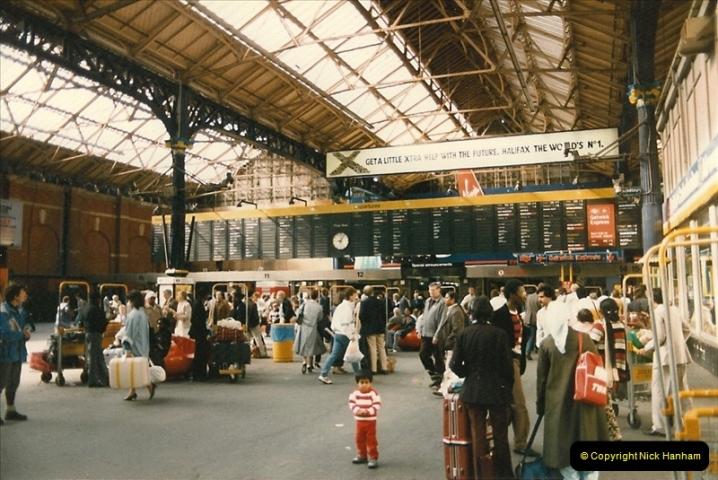 1986-06-07 Victoria Station, London.  (1)0175