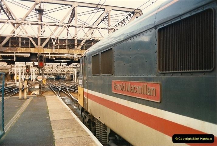 1986-11-22 Liverpoole Street Station, London.  (10)0361
