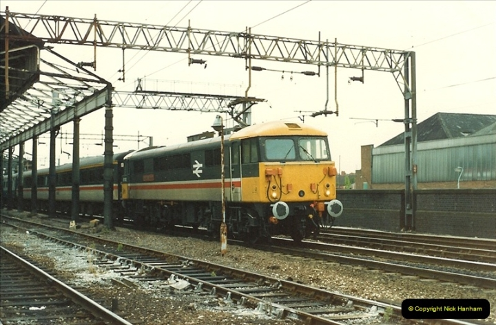 1987-07-12 to 15 Rugby, Warwickshire.  (5)0596