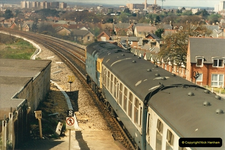 1987-04-20 Parkstone, Poole, Dorset.  (2)0301