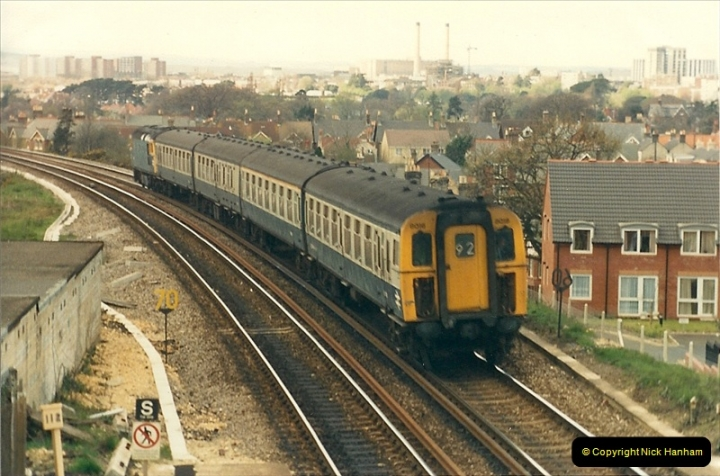 1987-04-20 Parkstone, Poole, Dorset.  (3)0302