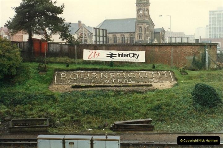 1987-11-01 Bournemouth, Dorset.  (24)0425