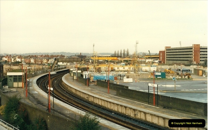 1987-11-09 The New Poole station takes shape, Poole, Dorset.0433