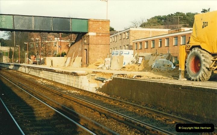 1988-03-25 Parkstone, Poole, Dorset.   (8)0546