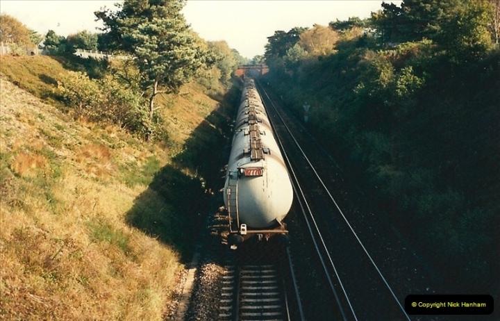 1988-11-05 Branksome, Poole, Dorset.  (2)0674