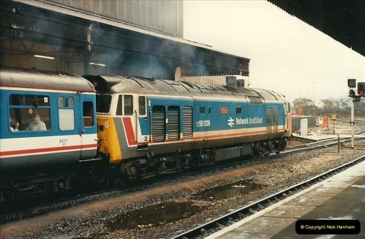 1989-02-25 Exeter St. Davids, Exeter, Devon.  (17)0128