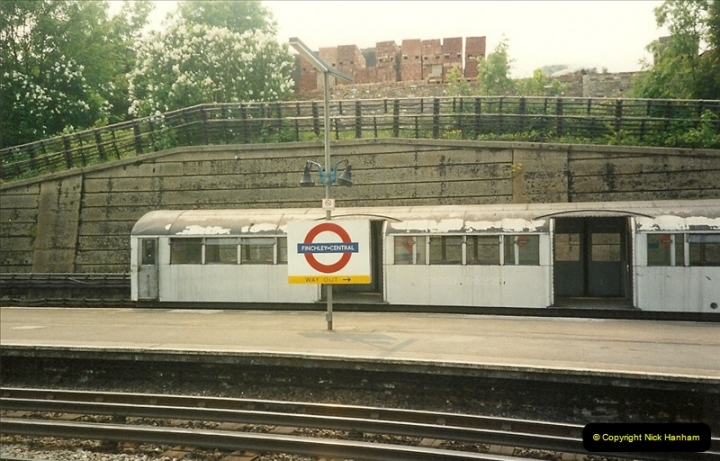 1989-05-20 Finchley Central. Northern Line, London.  (2)0289