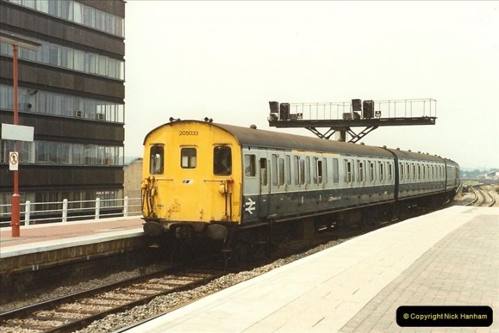 1989-07-24 Reading, Berkshire.   (17)0317