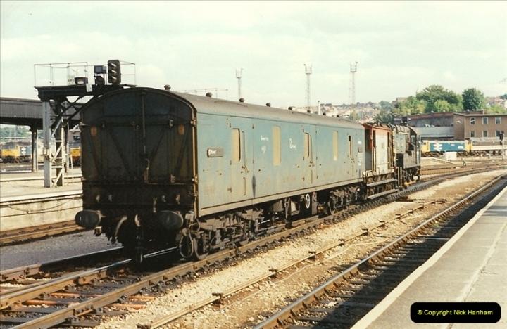 1989-08-18 Bristol Temple Meads, Bristol.  (12)0358