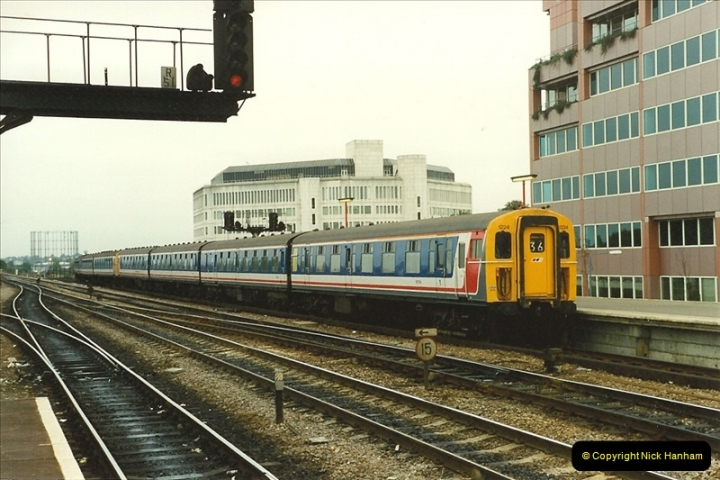 1989-09-30 Reading, Berkshire.  (28)0525