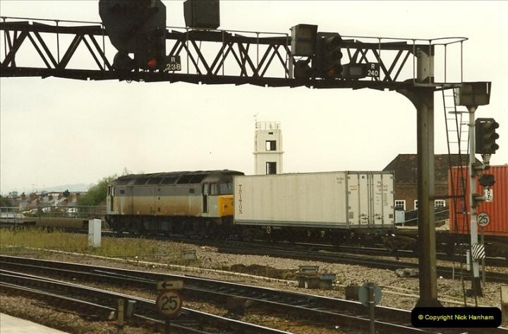 1989-09-30 Reading, Berkshire.  (5)0502