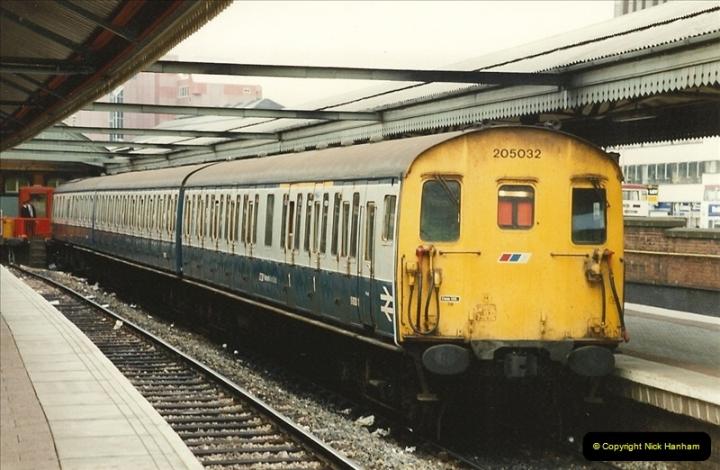 1989-09-30 Reading, Berkshire.  (8)0505