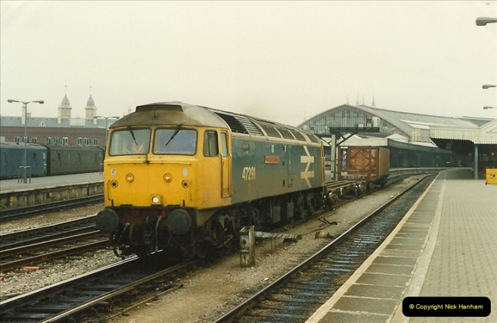 1989-10-03 Bristol Temple Meads, Bristol.  (16)0544
