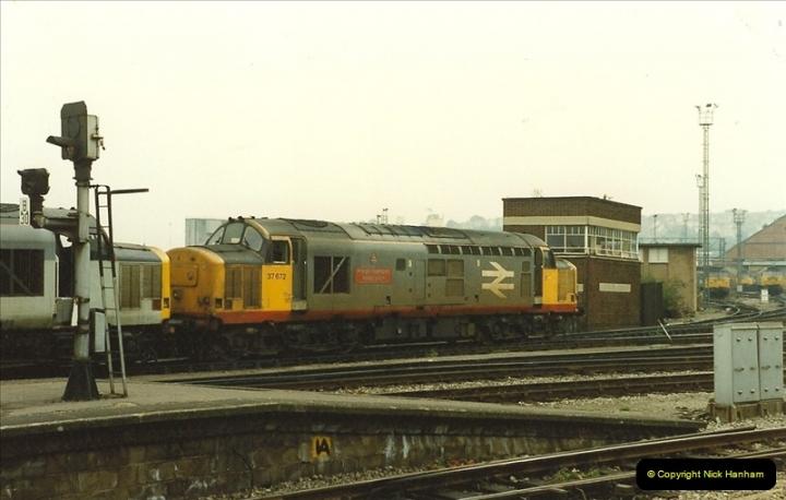 1989-10-03 Bristol Temple Meads, Bristol.  (17)0545