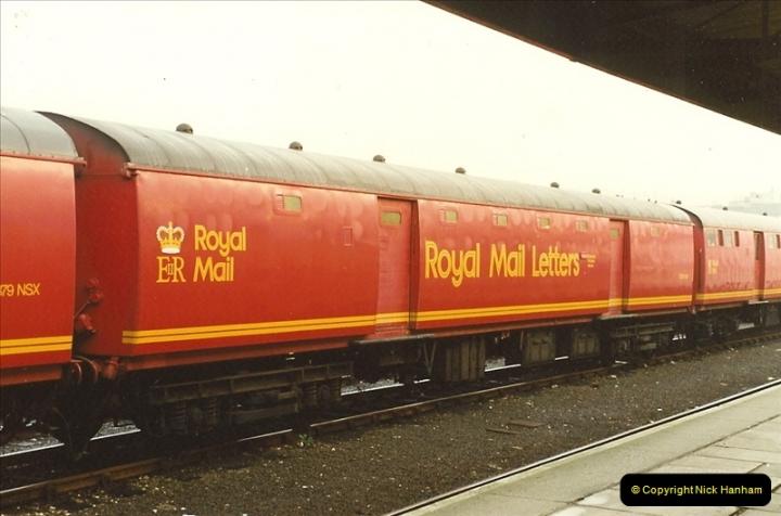 1989-10-27 Plymouth, Devon.  (6)0586