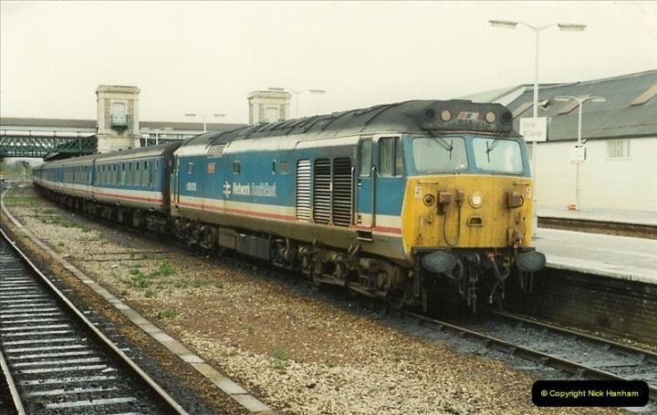 1989-10-28 Exeter St. Davids, Exeter, Devon.  (1)0604