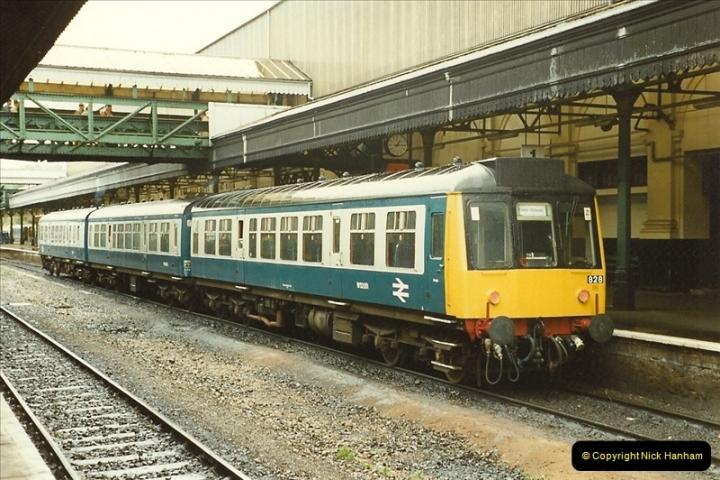 1989-10-28 Exeter St. Davids, Exeter, Devon.  (23)0626