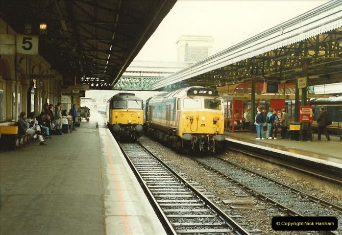 1989-10-28 Exeter St. Davids, Exeter, Devon.  (33)0636
