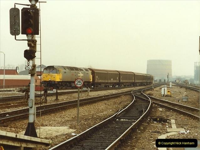 1990-01-04 Reading, Berkshire.  (16)0693