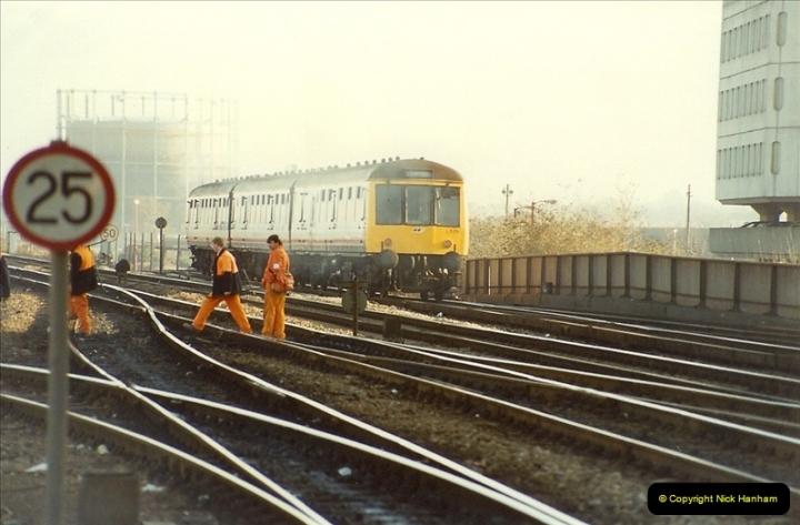 1990-01-04 Reading, Berkshire.  (22)0699