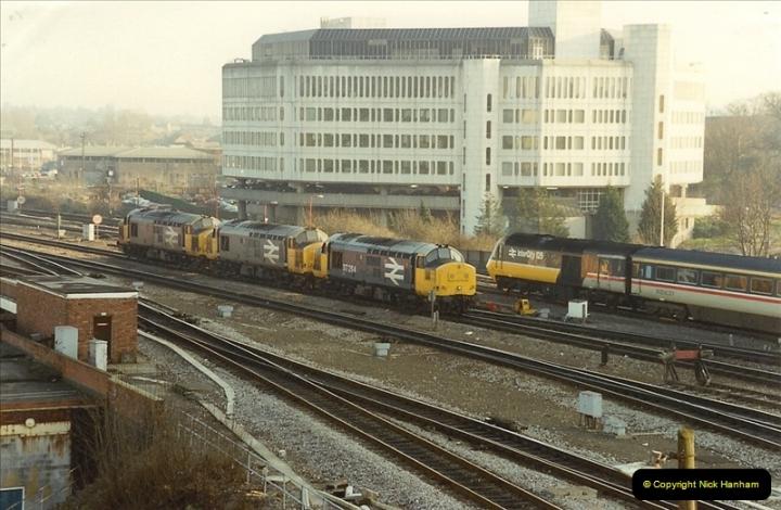 1990-01-04 Reading, Berkshire.  (29)0706