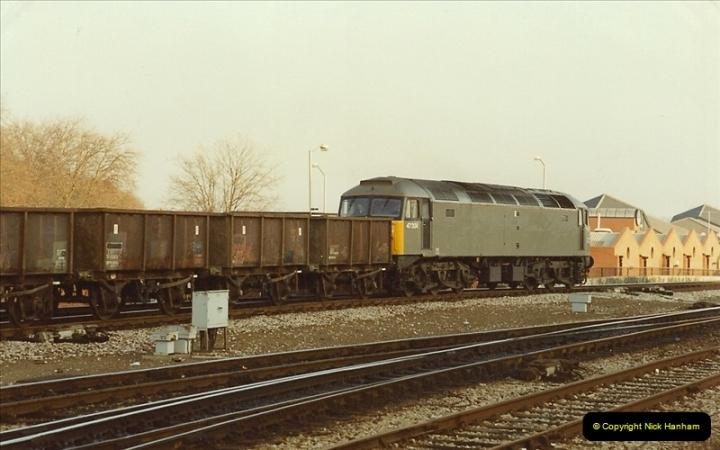 1990-01-04 Reading, Berkshire.  (32)0709