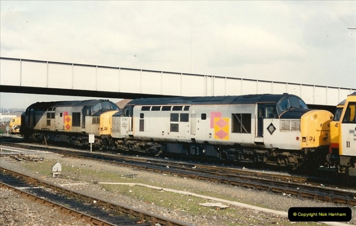 1993-03-01 Eastleigh, Hampshire.  (8)0032
