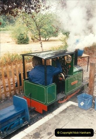 1995-08-27 Garden Centre in Hoddesdon, Hertfordshire.  (3)0238