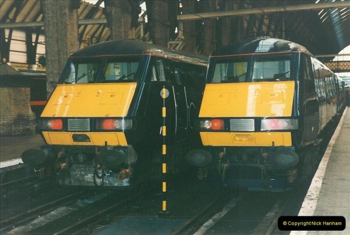 1998-01-06 Kings Cross, London.  (7)007