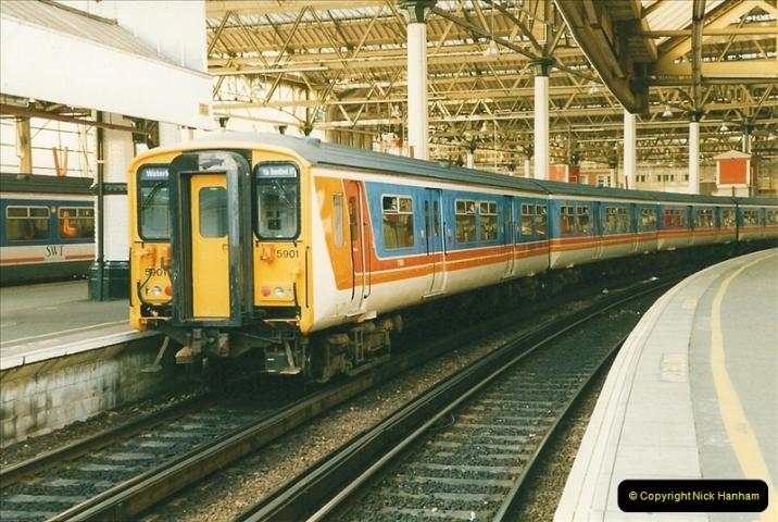 1998-03-28 Waterloo, London.  (11)054