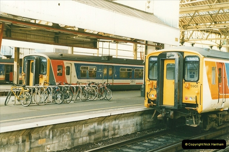 1998-03-28 Waterloo, London.  (12)055