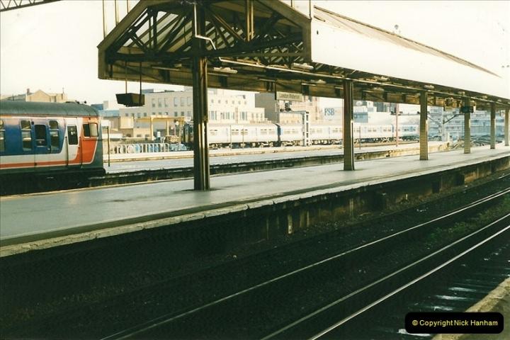 1998-03-28 Waterloo, London.  (4)047