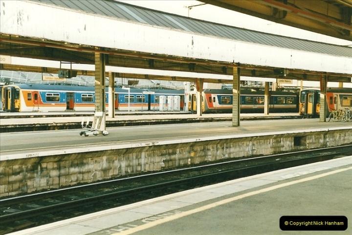 1998-03-28 Waterloo, London.  (5)048