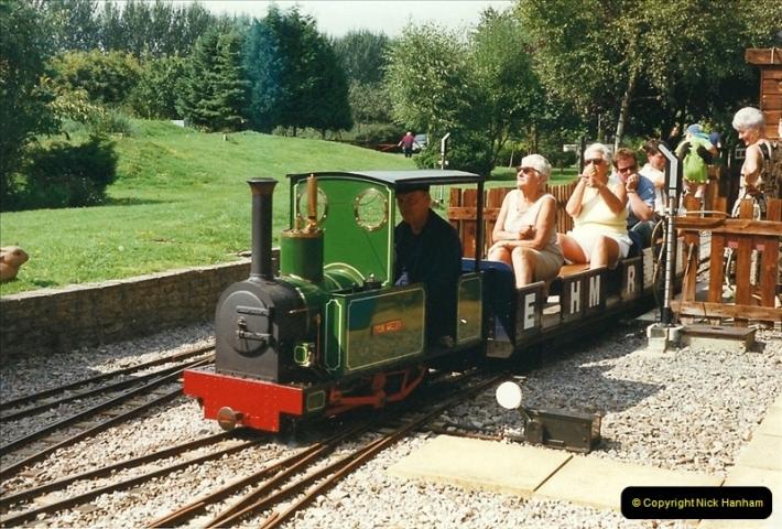 1999-08-29 Hoddesdon, Hertfordshire.  (1)195