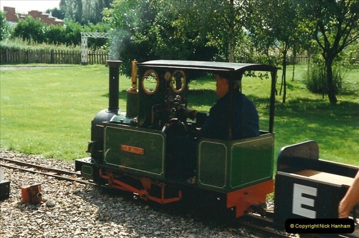 1999-08-29 Hoddesdon, Hertfordshire.  (2)196
