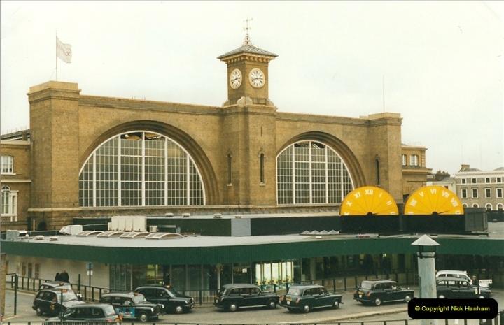 2000-01-14 London.  (19)216