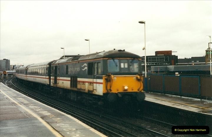2000-02-08 Clapham Junction, London.  (4)231
