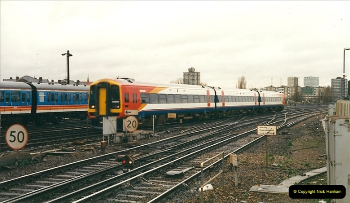 2000-02-08 Clapham Junction, London.  (5)232