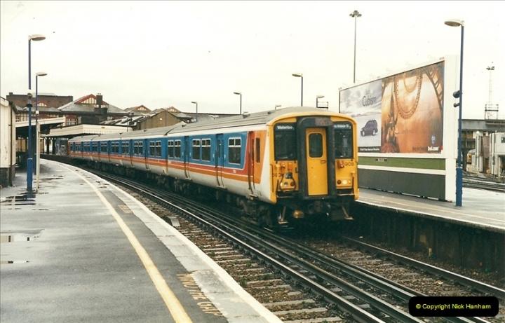 2000-02-08 Clapham Junction, London.  (9)236