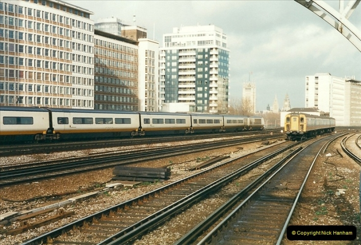 2000-02-08 Vauxhall, London.  (11)249